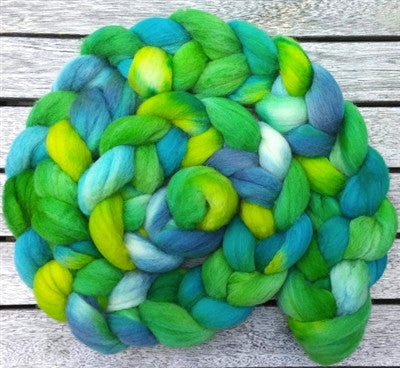 Stunning Hand dyed 6 oz Wool Roving Pretzel Braid in SEA GLASS