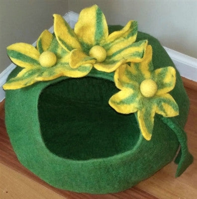 Shep's Green Yellow Lily CAT CAVE 100% Wool Handmade Cat Cozy Pet Bed Kitty Cup
