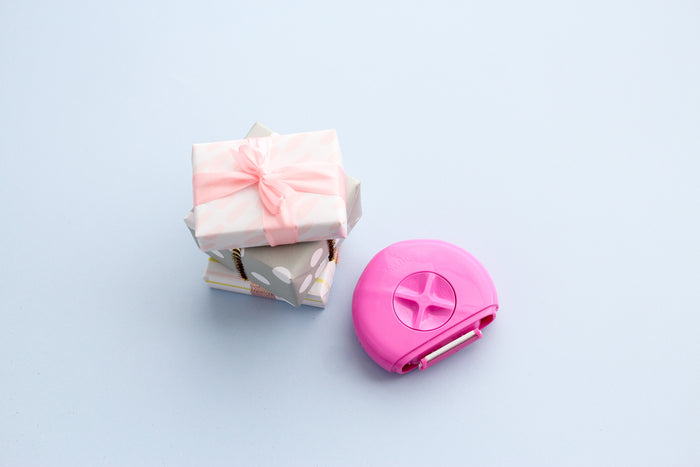Exclusive DEALMOON Travel Bundle! Pink Razor + Refill + FREE Eye Mask