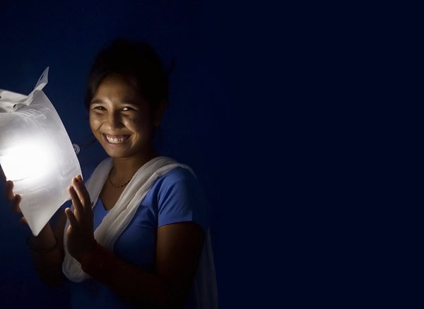Women in Nepal received LuminAID Light from UNFPA