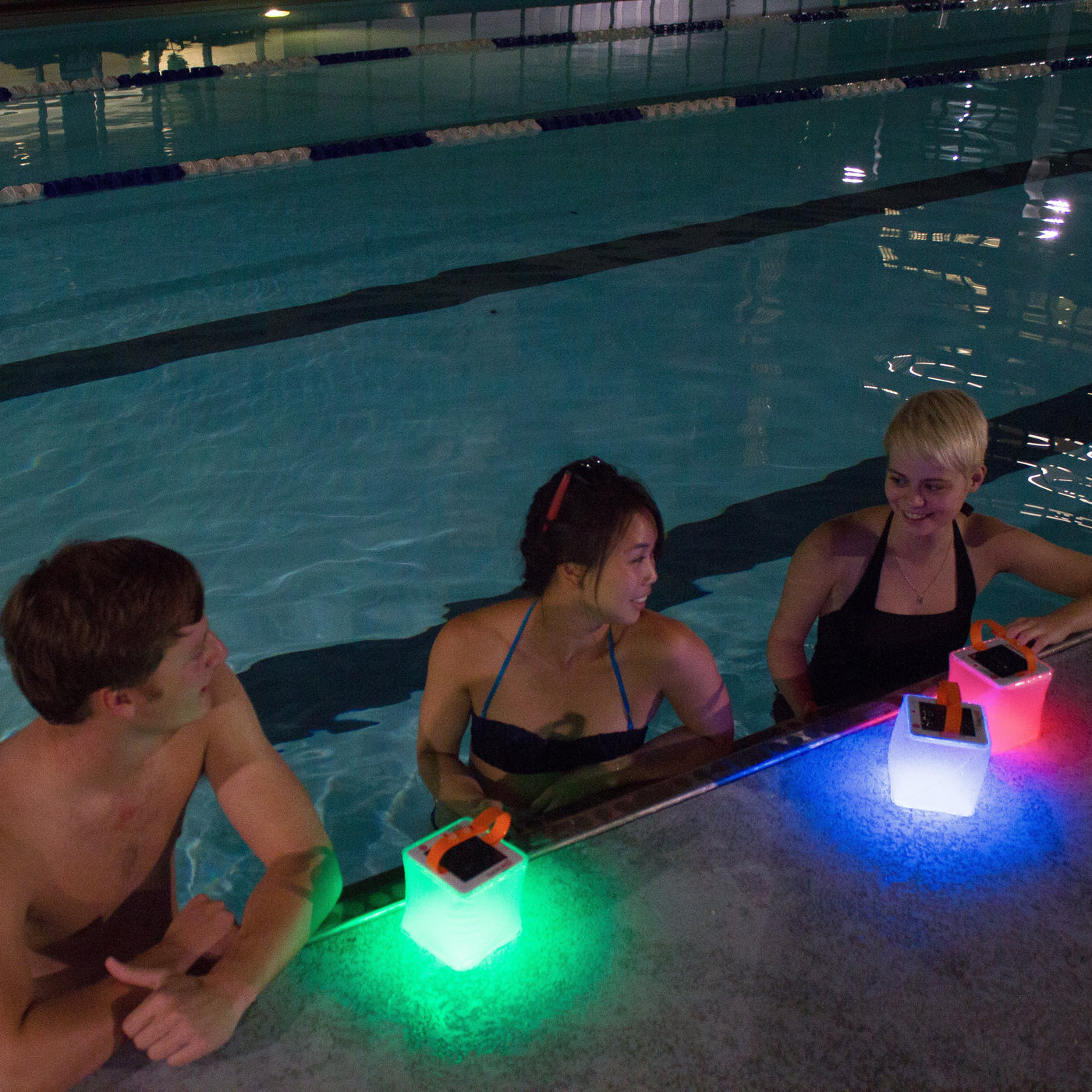 Solar powered swimming pool floating light solar floating light - Pool Lights