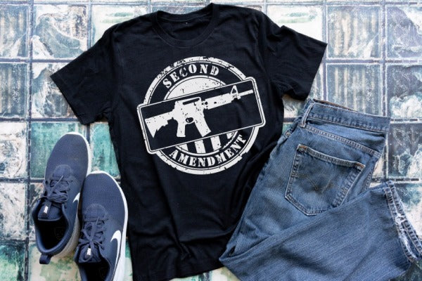 "(1) Short sleeve shirt ""2nd Amendment'"" (accessories in the photo are not included)."