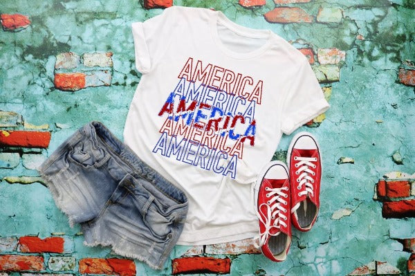 "(1) Short sleeve shirt ""America'"" (accessories in the photo are not included)"