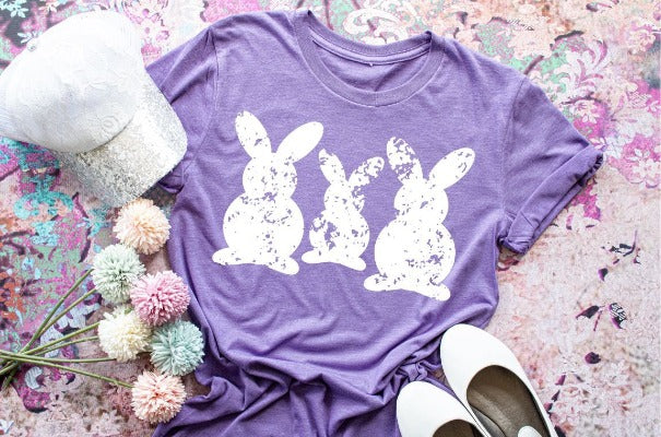 "(1) Short sleeve shirt ""Bunnies"" (accessories in the photo are not included)"
