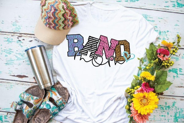 "(1) Short sleeve shirt ""Band Mom"" (accessories in the photo are not included)"