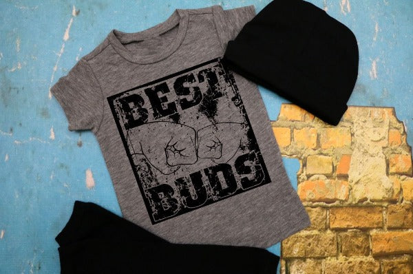 "(1) Short sleeve shirt ""Best Buds - Youth Shirt"" (accessories in the photo are not included)"