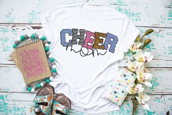 "(1) Short sleeve shirt ""Cheer Mom"" (accessories in the photo are not included)"