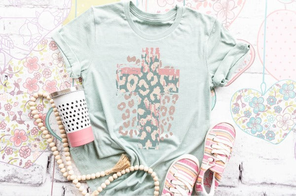 "(1) Short sleeve shirt ""Leopard Cross"" (accessories in the photo are not included)"