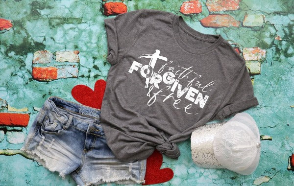 "(1) Short sleeve shirt ""Faithful Forgiven Free"" (accessories in the photo are not included)"