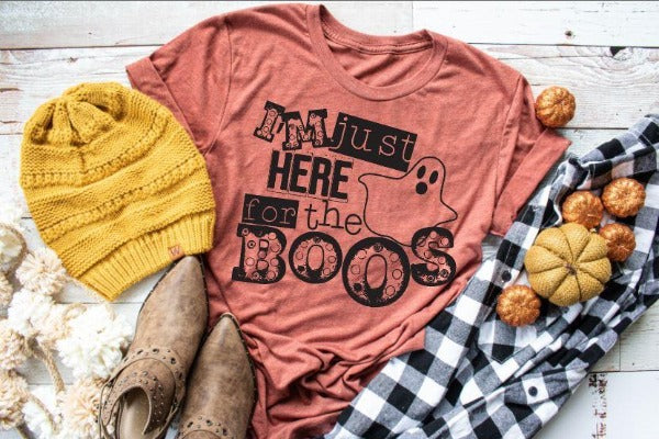 "1) Short sleeve shirt ""I'm Just Here For The Boos"" (accessories in the photo are not included)"