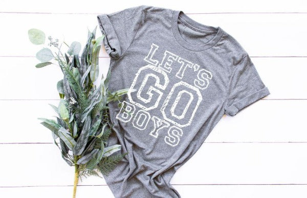 "(1) Short sleeve shirt ""Let's Go Boys"" (accessories in the photo are not included)"