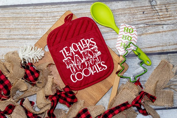 (1) Potholder. Choose from 6 designs (accessories in photos are not included.)