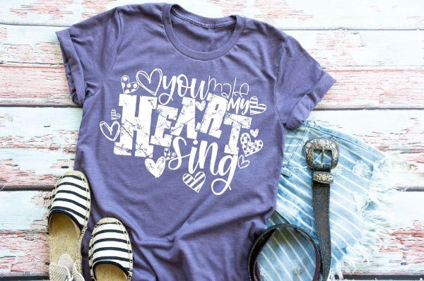 "1) Short sleeve shirt ""You Make My Heart Sing"" (accessories in the photo are not included)"