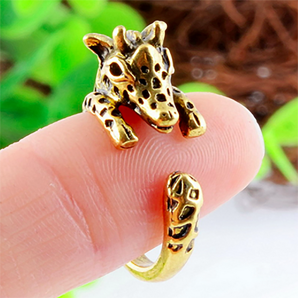 Billie the Baby Giraffe - Ring