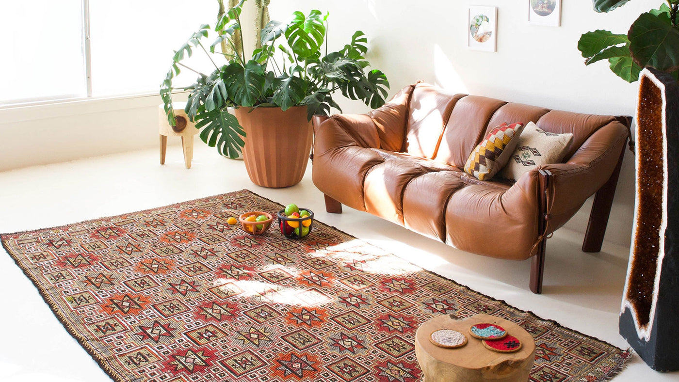 The Treasure In History : Vintage Anatolian Rugs