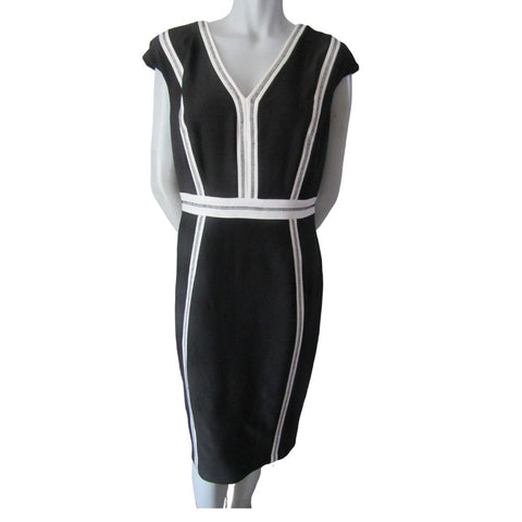 Jax Black and White V Neck Dress Size Large (120