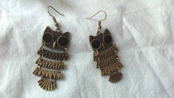 VINTAGE ANTIQUE BRONZE LONG DROP EARRINGS