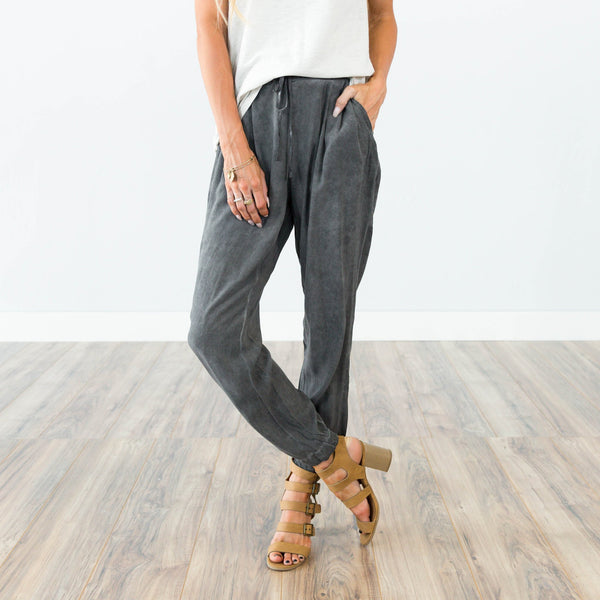 Mineral Wash Pant in Charcoal