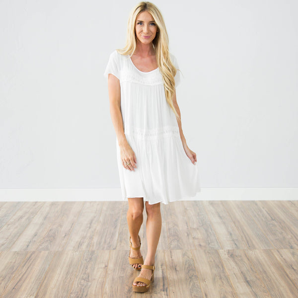 Trailing Flower Lace Dress in Ivory