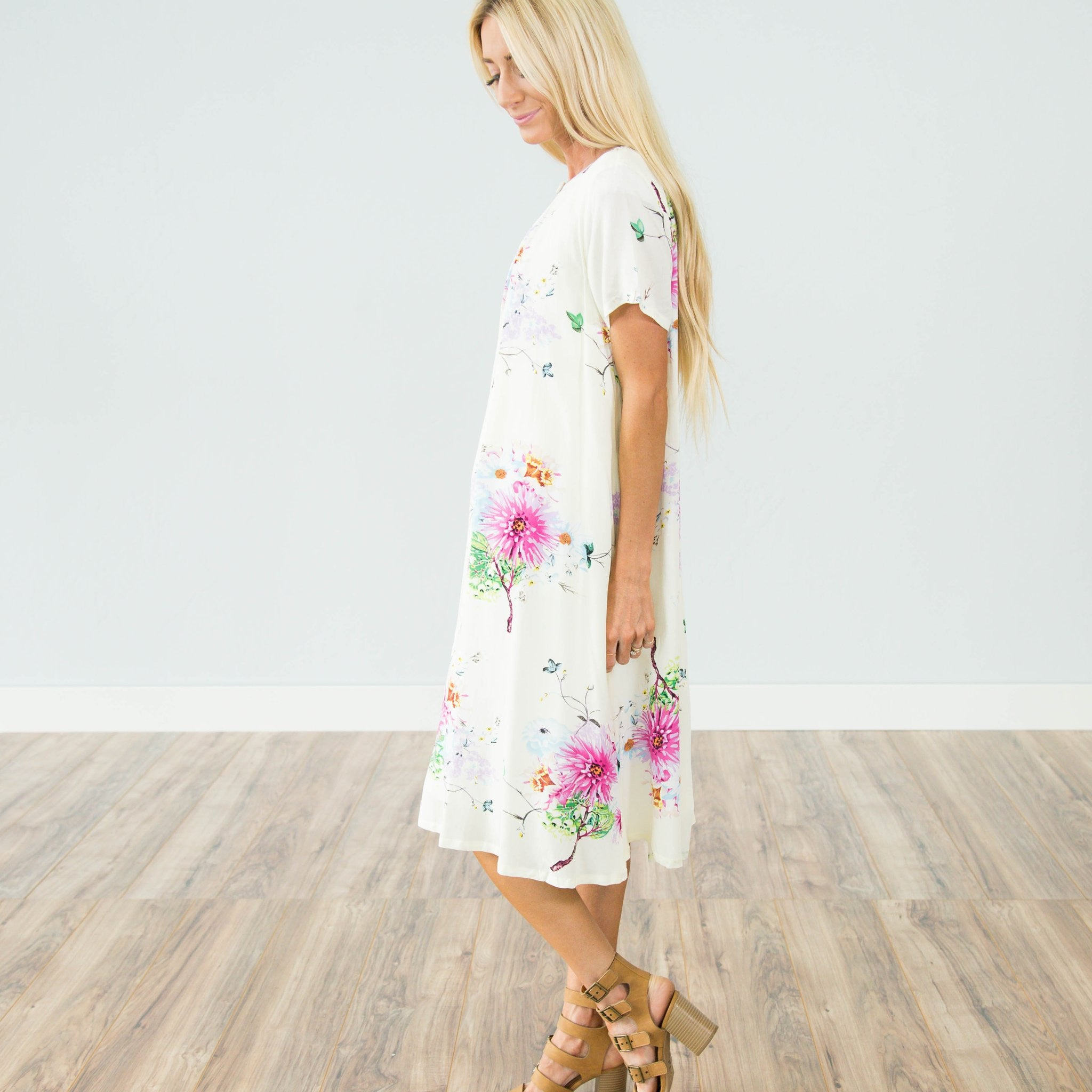 Wayside Floral Dress In Cream