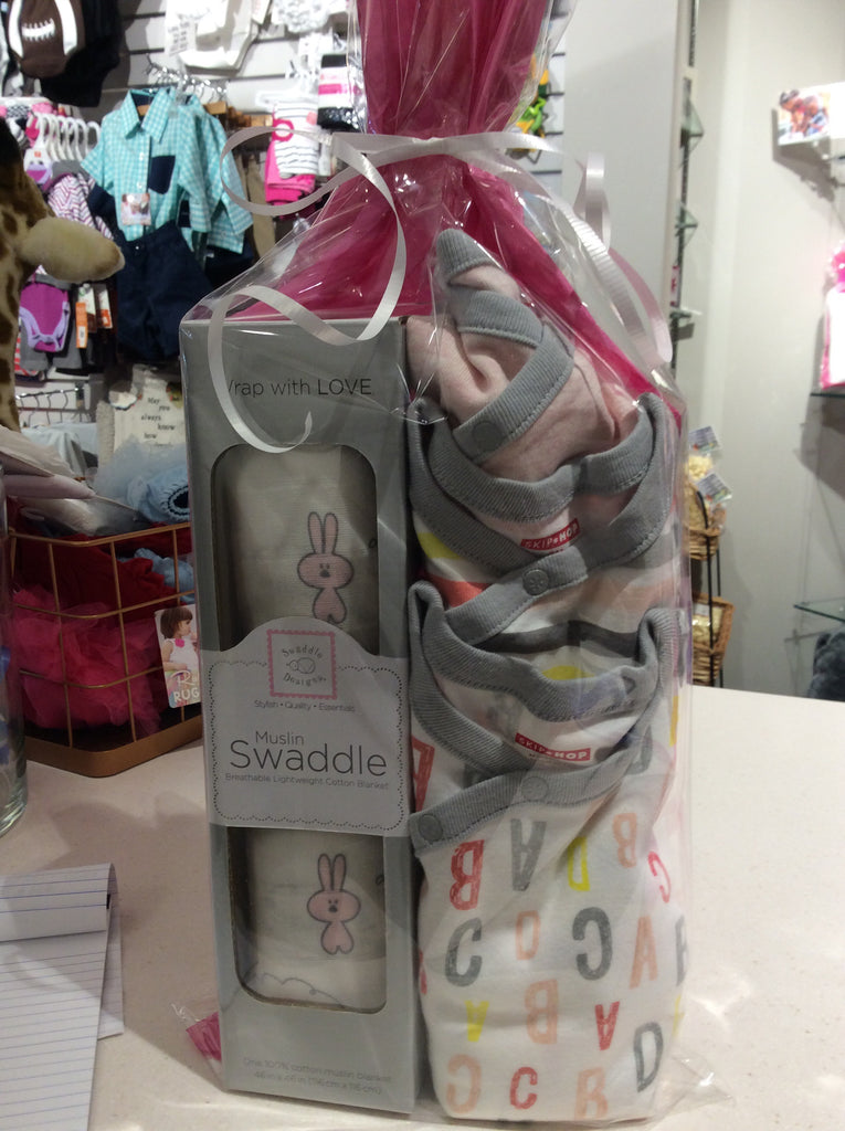 Swaddle & SkipHop Bundle