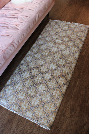 "Load image into Gallery viewer, Turkish Runner Rug 2'6"" x 5'8"""