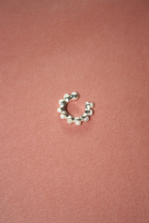 Load image into Gallery viewer, Silver Pearl Ear Cuff