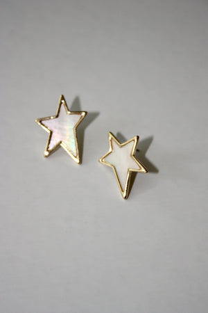 Load image into Gallery viewer, Pearlescent Star Stud