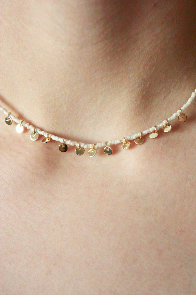 Load image into Gallery viewer, Tiny Disc Beaded Choker Necklace