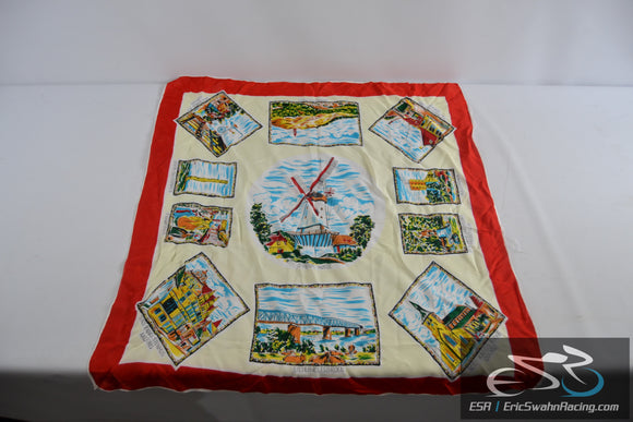 Ethnic Square  Tablecloth White / Red with Windmills, Historical Buildings