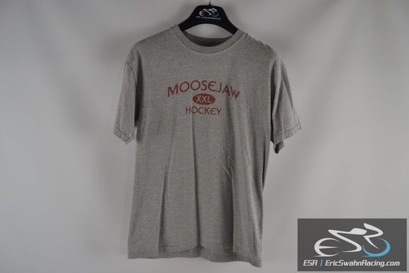 Moosejaw XXL Hockey Gildan Ultra Cotton Grey Men's Medium T-Shirt