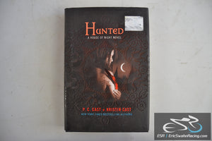 Hunted - House of Night Book 5 Paperback 2009 P.C. Cast, Kristin Cast