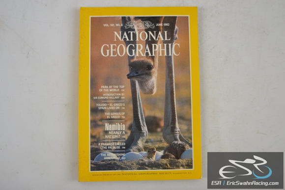 National Geographic Magazine - Mt. Everest Park Vol 161.6 June 1982