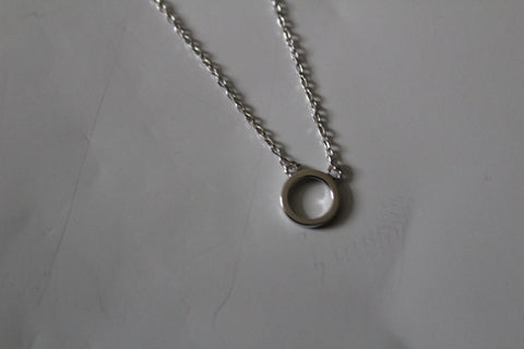 SMALL OPEN CIRCLE CLASSIC NECKLACE