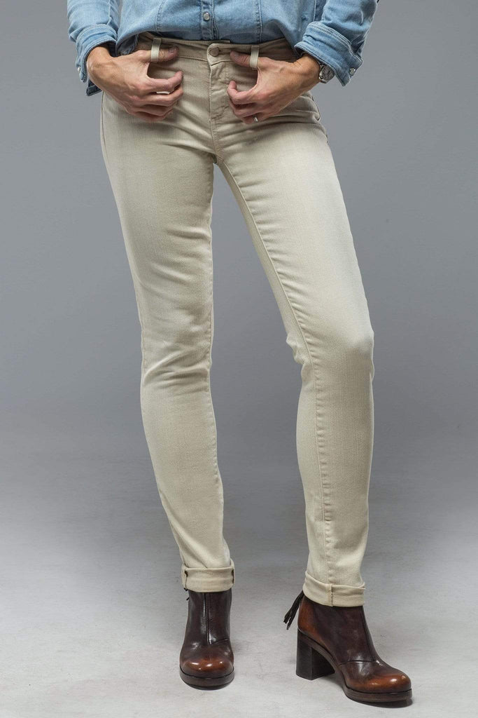 Axel'S Madison Skinny Jeans In Washed Celery Ladies - Pants