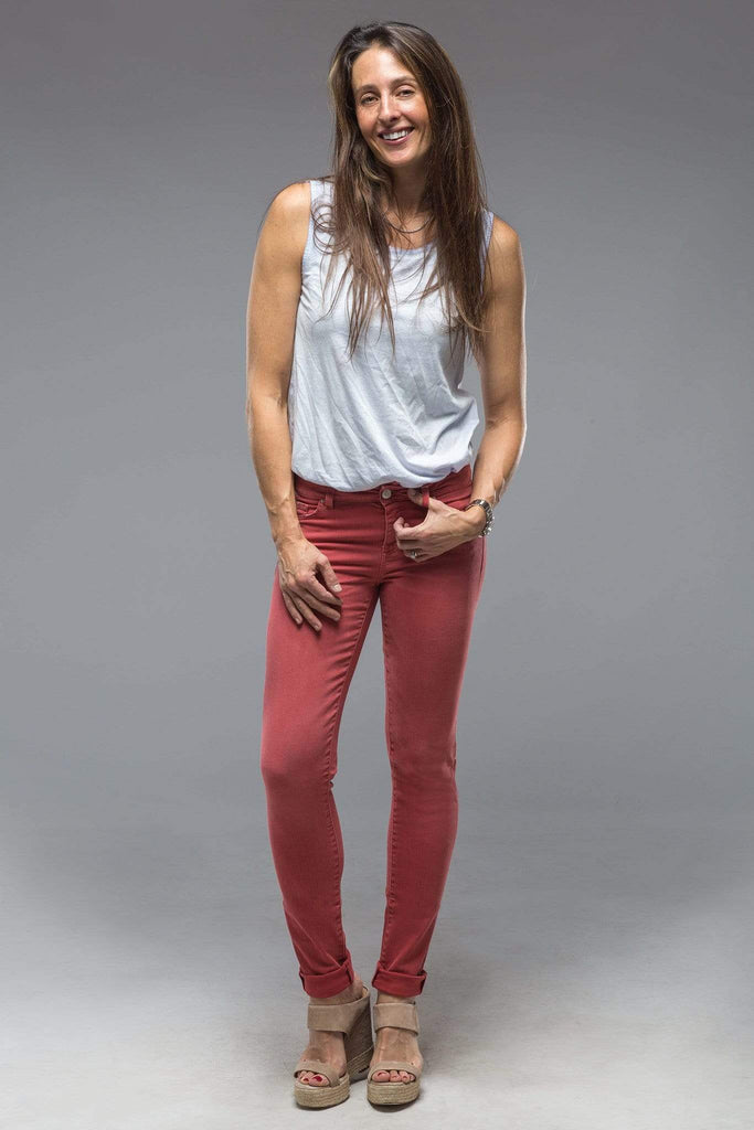 Axel'S Madison Skinny Jeans In Washed Coral Ladies - Pants