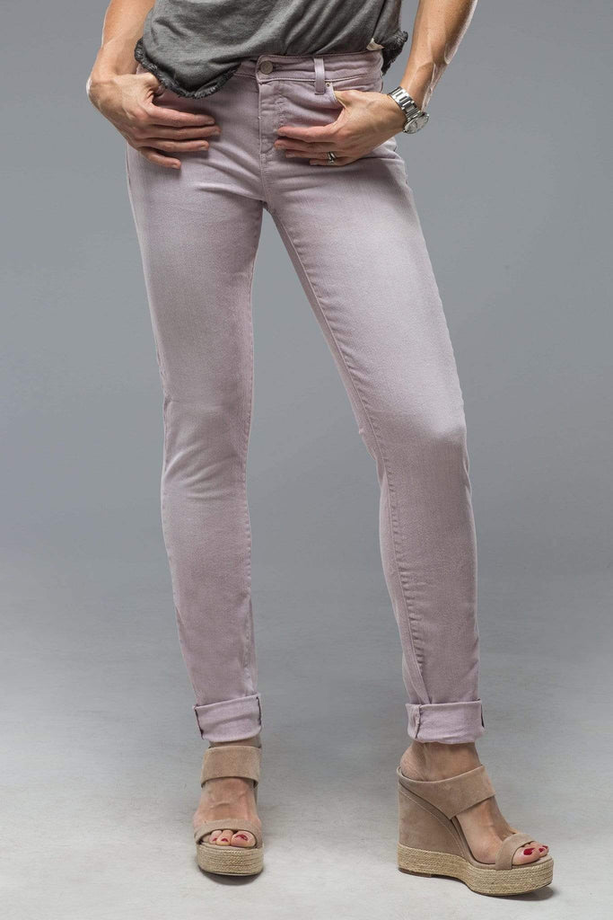 Axel'S Madison Skinny Jeans In Washed Lavender Ladies - Pants