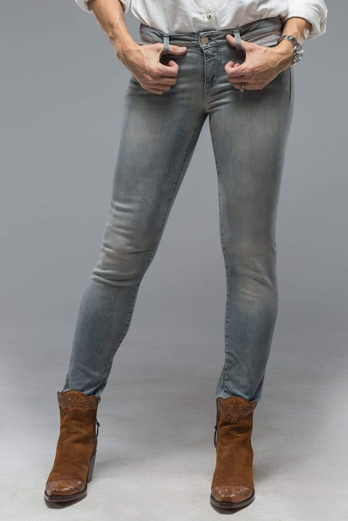 Axel'S Victoria Skinny Selvedge Jean In Mid-Light Grey Ladies - Pants