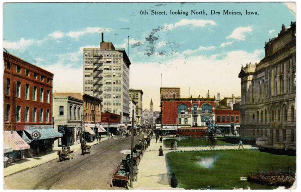 IA, Des Moines - 6th Street postcard with a few signs - w05239