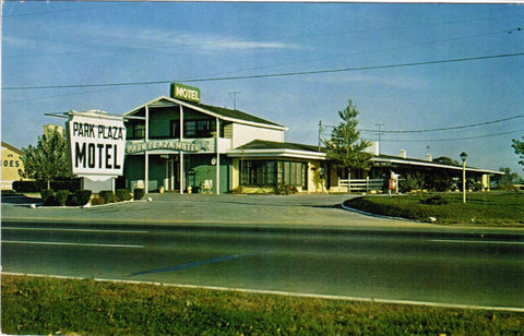 DE, New Castle - Park Plaza Motel postcard - C08535