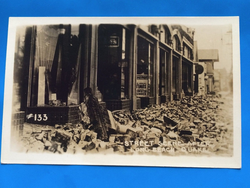 CA, Long Beach - Street Scene with rubble/destruction - RPPC - F09031