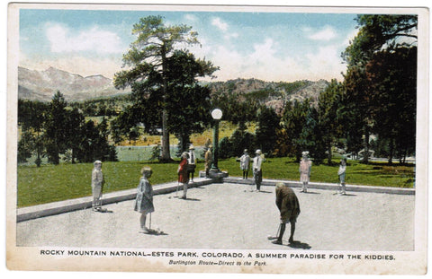 CO, Estes Park - Rocky Mountain National - kids playing game, croquet? - T00099