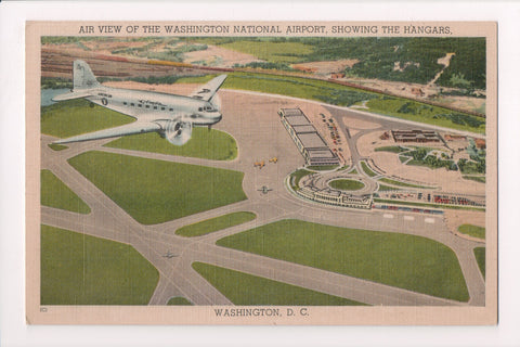 DC, Washington - Air view of National Airport, American Flagship plane - 605073