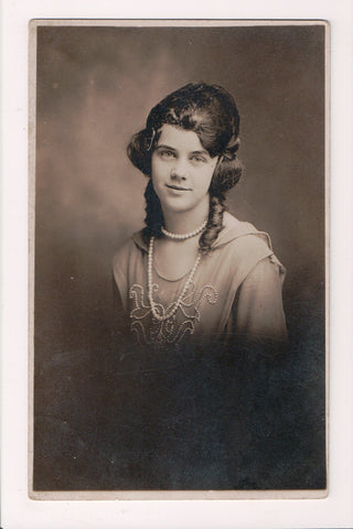 People - Female postcard - Pretty Woman - Fritz RPPC - ringlets and Pearls - C08384