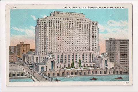 IL, Chicago - CHICAGO DAILY NEWS bldg and plazza - @1929 postcard - C17277