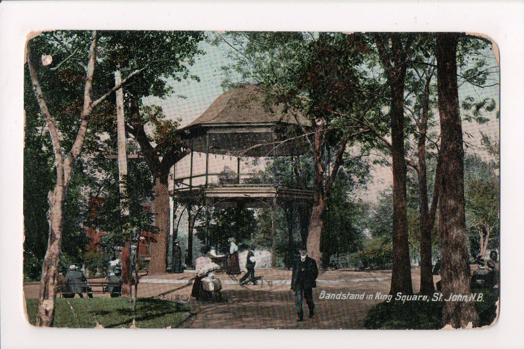 Canada - St John, NB - King Square Bandstand people @1909 - G06131