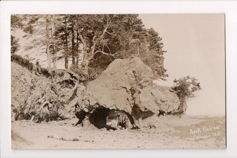 Canada - Dalhousie, NB - Arch in rocks with ladies to walk thru - RPPC - D07233