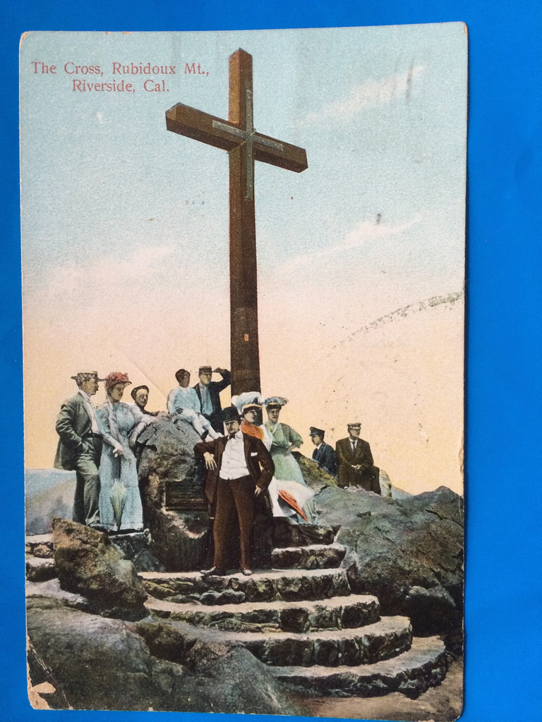 CA, Riverside Cross on Rubidoux MT close up, people postcard - C08096