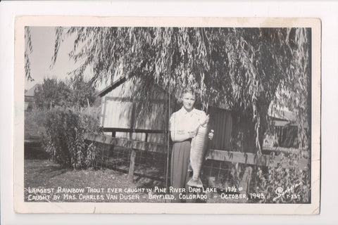 CO, Bayfield - 17.5# Rainbow Trout held by Mrs Charles Van Dusen RPPC - CP0600