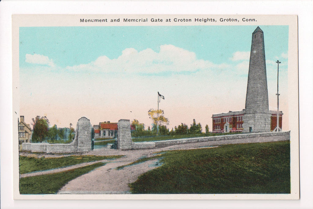 CT, Groton - Groton Heights, Monument, Memorial Gate - w00895